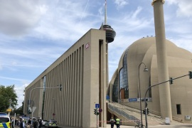 Germany: Mosque evacuated over bomb threat- – COLOGNE, GERMANY – JULY 09 : Police cordon off streets in the Ehrenfeld area of the city and evacuated the complex of Cologne Central Mosque following a bomb threat, sent via e-mail, in Cologne, Germany on July 09, 2019.