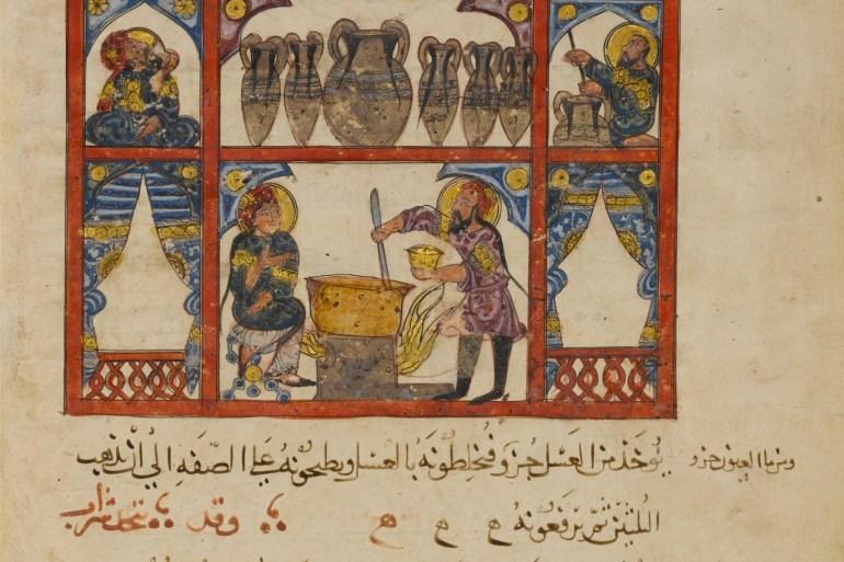مخطوطة عربية في تحضير الدواء من العسل وهي ترجمة عربية لنص يوناني قديم (مواقع التواصل)
