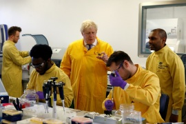 Britain's Prime Minister Boris Johnson visits a laboratory at the Public Health England National Infection Service in Colindale, north London, Britain, March 1, 2020. REUTERS/Henry Nicholls     TPX IMAGES OF THE DAY