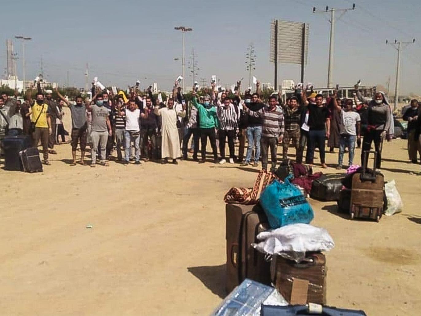 في قطر والسعودية والبحرين.. مصريون عالقون يناشدون القاهرة السماح لهم بالعودة