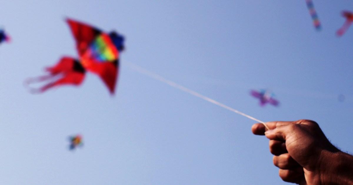 طائرات ورقية تحارب كورونا في سماء مصر
