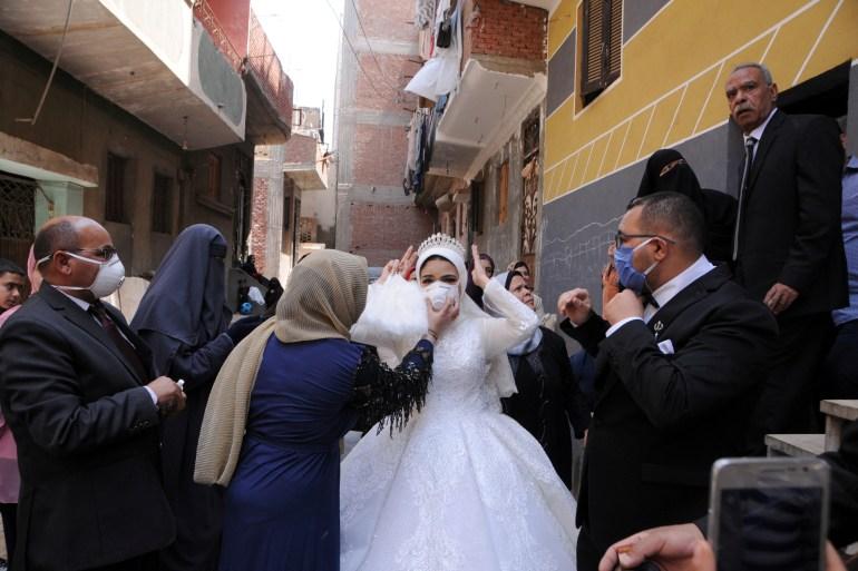 بعد فشل الحظر.. هل تنجح خطة التعايش مع كورونا بمصر؟