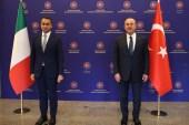 مؤتمر صحفي لوزير الخارجية التركي (يمين) مع نظيره الإيطالي (الفرنسية)