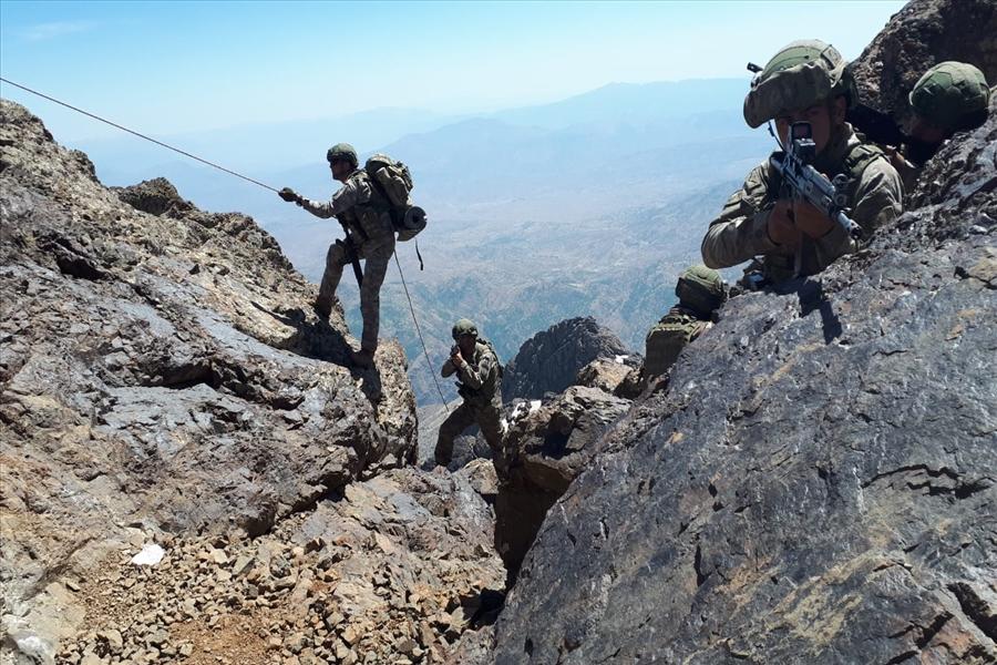 إنزال للجيش التركي شمالي العراق لمطاردة العمال الكردستاني