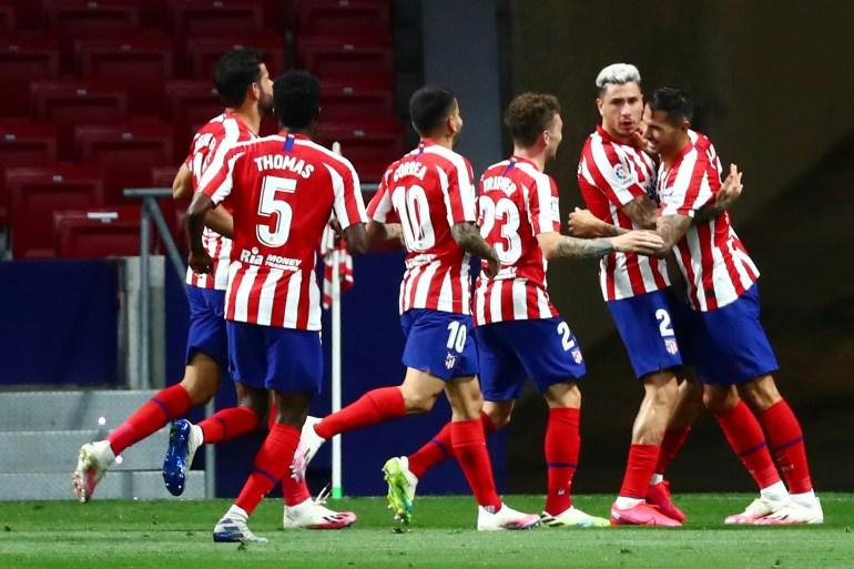 """شاهد.. قصة """"زهور"""" تمنح أتلتيكو مدريد الحظ في ملعبه"""