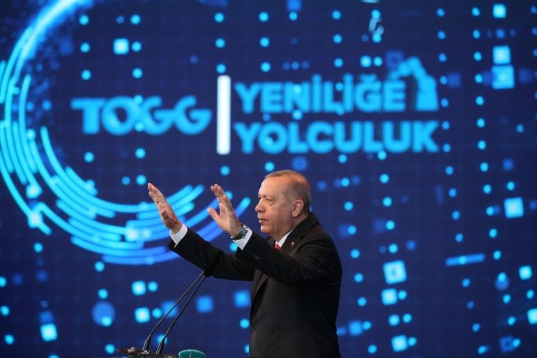 أردوغان: الملايين من القلوب متحمسة مجددا لتحقيق حلم السيارة التركية (وكالة الأناضول)