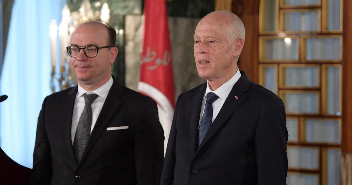 اختراق أجنبي لقصر قرطاج وتآمر على الحكومة.. ما قصة التسريبات التي هزت تونس؟