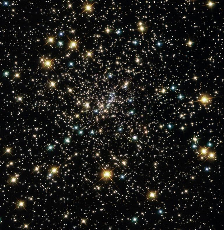 ما هو الكون ؟ و ماذا يوجد خارج حدود الكون التي نعرفها؟ حجم الكون الكبير