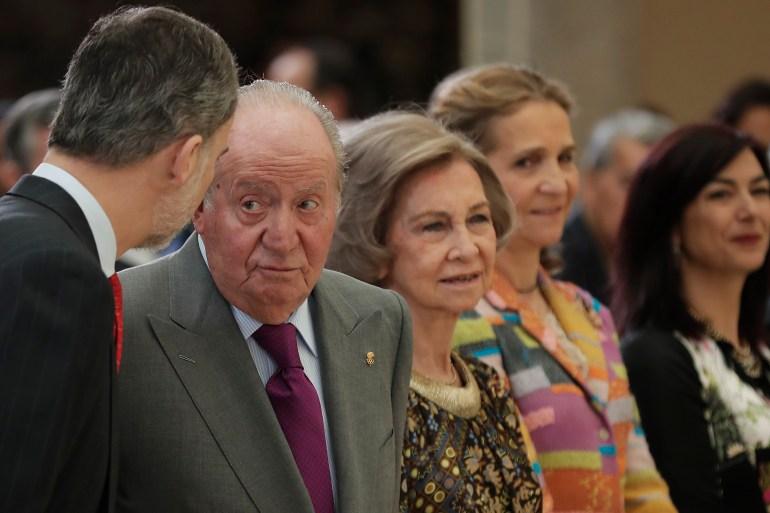 تايمز: مغادرة خوان كارلوس إسبانيا قد لا تكون كافية لإنقاذ الملكية