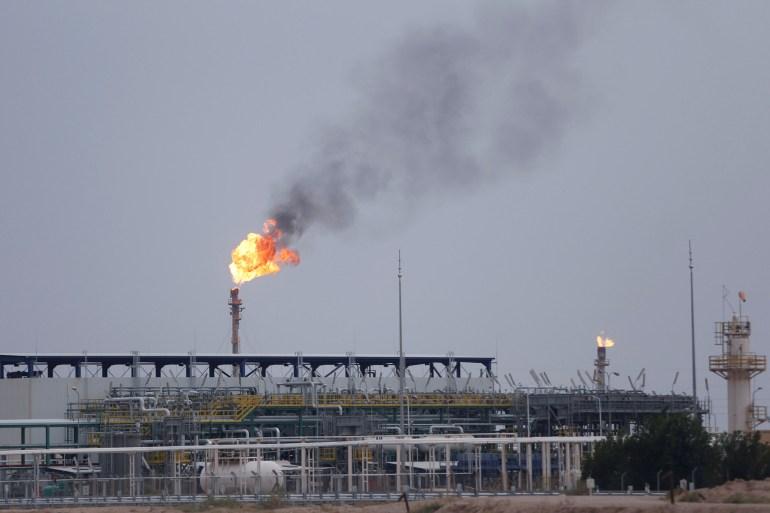 توتال الفرنسية تتفق مع العراق على تنفيذ مشاريع طاقة بقيمة 27 مليار دولار  أكبر استثمارات لشركة أجنبية في العراق بعد مفاوضات ا 2-65