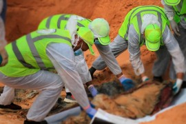 حكومة الوفاق الوطني تعثر على جثث دفنت إبان سيطرة حفتر على ترهونة (مواقع التواصل الاجتماعي)