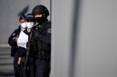 فرنسا تشهد تفاعلات بعد حادثة مقتل مدرس عرض على تلاميذه رسوما مسيئة للنبي محمد (رويترز-أرشيف)