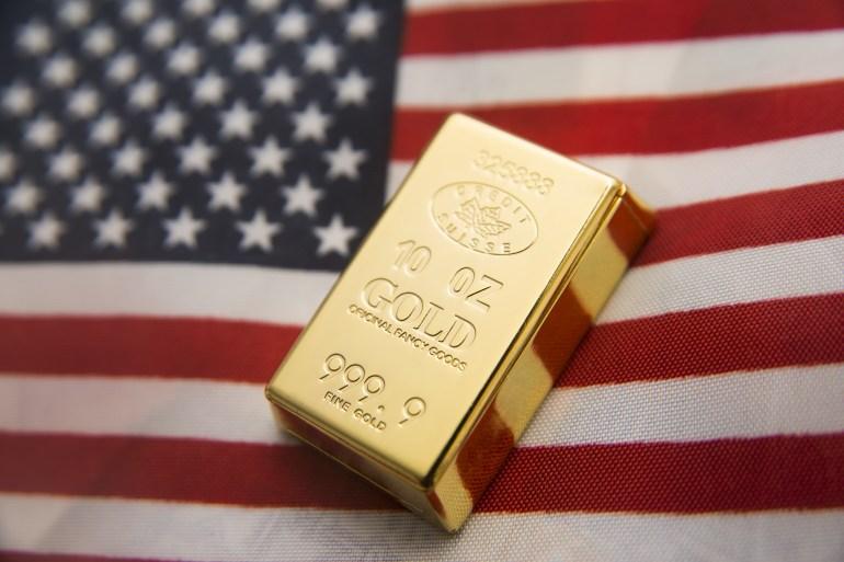 الذهب يستفيد من حزم التحفيز الحكومية وسياسات التيسير النقدي للبنوك المركزية (شترستوك)