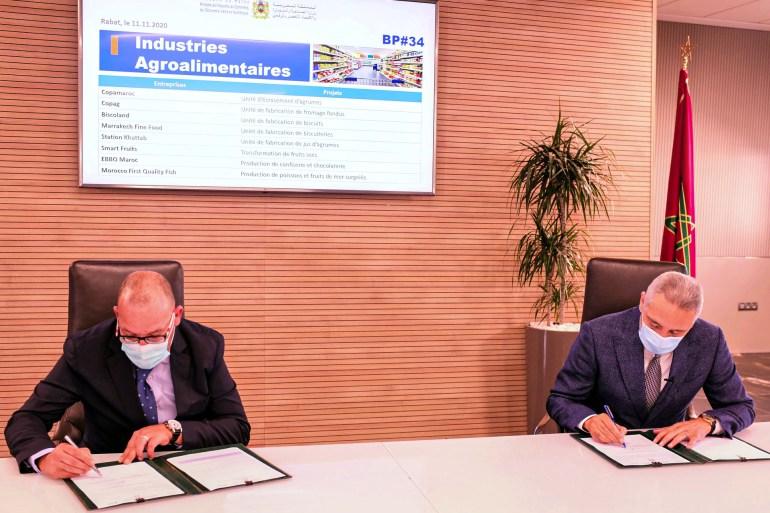 الحكومة المغربية وقعت 17 اتفاقية استثمارية لإحداث آلاف فرص العمل (مواقع التواصل الاجتماعي)