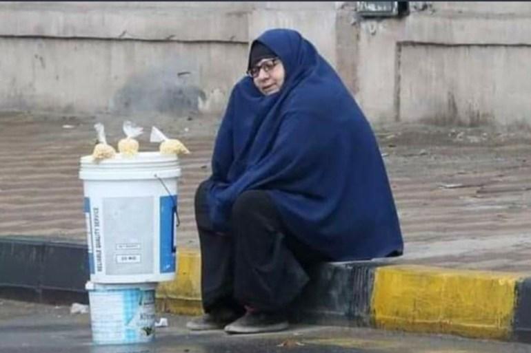 سيدة المطر بمصر.. جلست تبيع الترمس فجاءها رزقها مرتين EnUtgpWXYAA7NZZ-1