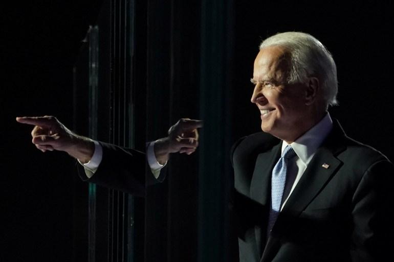 بايدن تقدم بأكثر من 12 ألف صوت في جورجيا (رويترز)