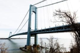 الشرطة كانت أغلقت في وقت سابق المستويين العلوي والسفلي من الجسر (الأوروبية)