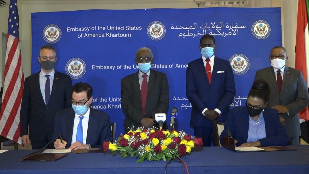 مساومة التطبيع حاضرة بقوة.. هل تنتشل زيارات المسؤولين الأميركيين موازنة السودان لعام 2021؟