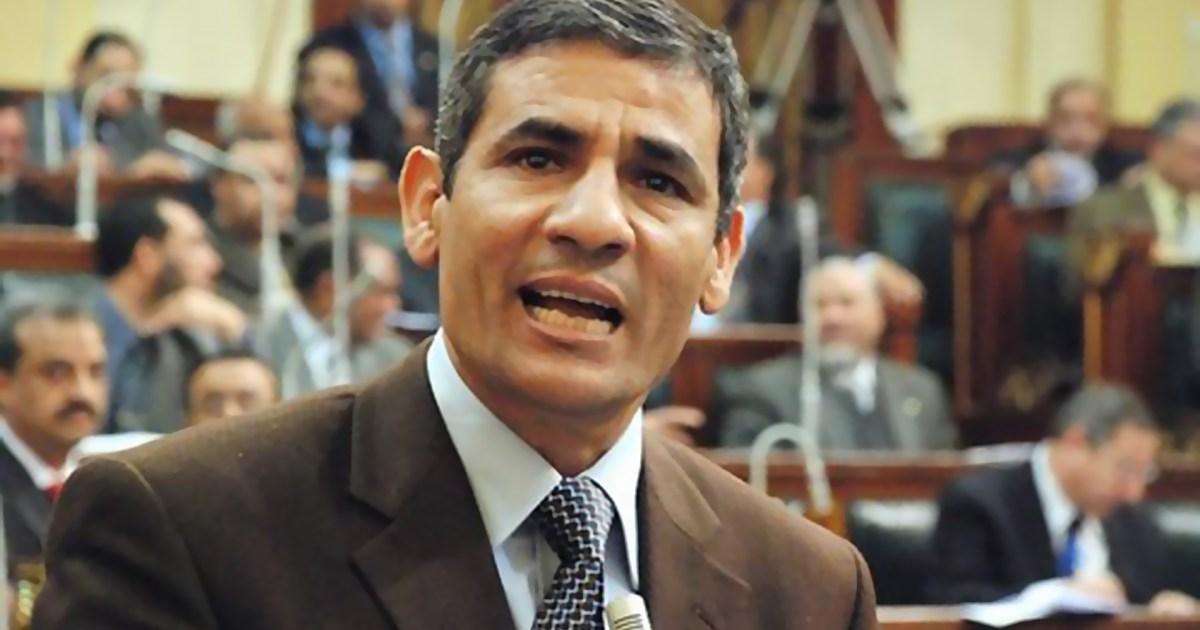 """بداية ساخنة لبرلمان مصر.. طرد نائب بسبب حزب """"الكراتين"""" وهجوم على وزير الإعلام"""
