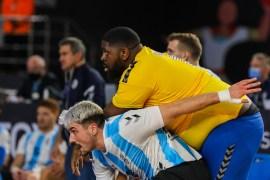 مفومبي أرهق الدفاع الأرجنتيني وسجل 4 أهداف (موقع مونديال كرة اليد)