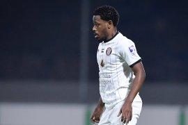 أحمد ربيع لاعب نادي الجزيرة الإماراتي غاب نحو عامين بسبب إصابة خطيرة في الرأس (مواقع التواصل الاجتماعي)