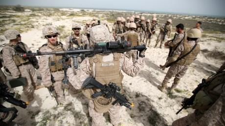 مسؤول عسكري أميركي يتفقد 3 مواقع لقواته في السعودية