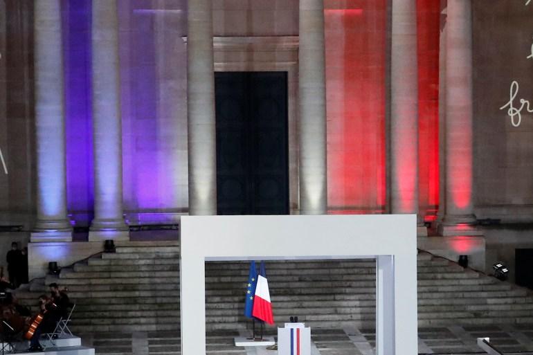 السوربون إحدى البنايات التي طالها القصف الألماني خلال حصار باريس قبل 150 عاما (رويترز)