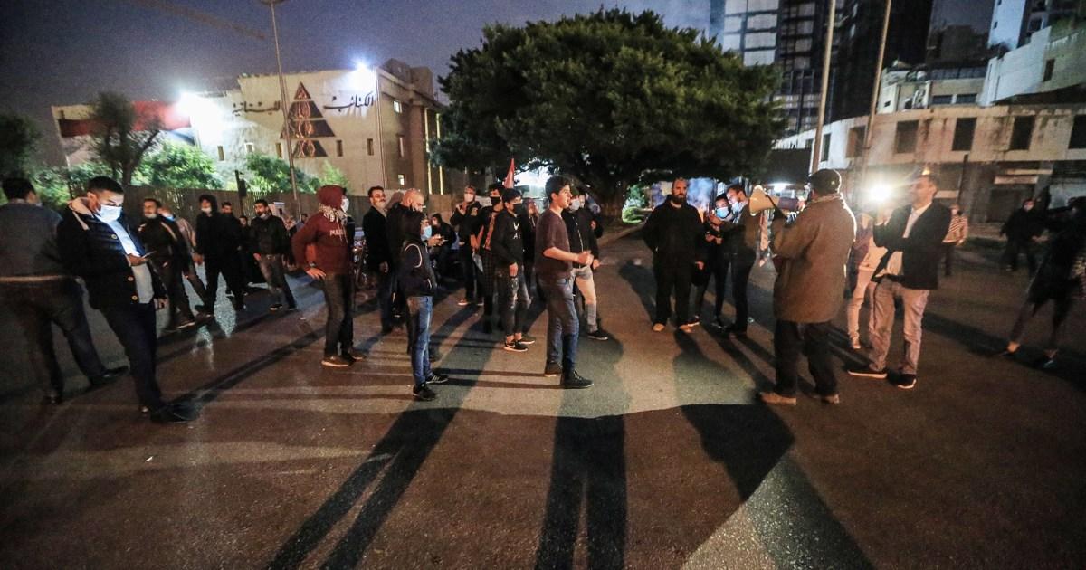 """""""لبنان ينهار"""" والحريري يؤجج المعركة.. غضب لبناني على الأرض وفي منصات التواصل بسبب  الأوضاع المعيشية"""