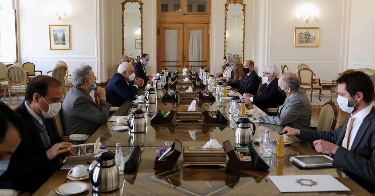 غريفيث في طهران.. هل تسهم إيران في إخماد الحرب باليمن؟
