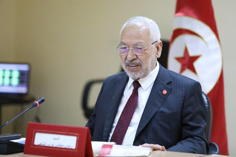 """انقلاب الرئيس التونسي """"قيس سعيد"""" على الدستور والمسار الديمقرطي ..  المواقف والتطورات ومآلات المستقبل"""