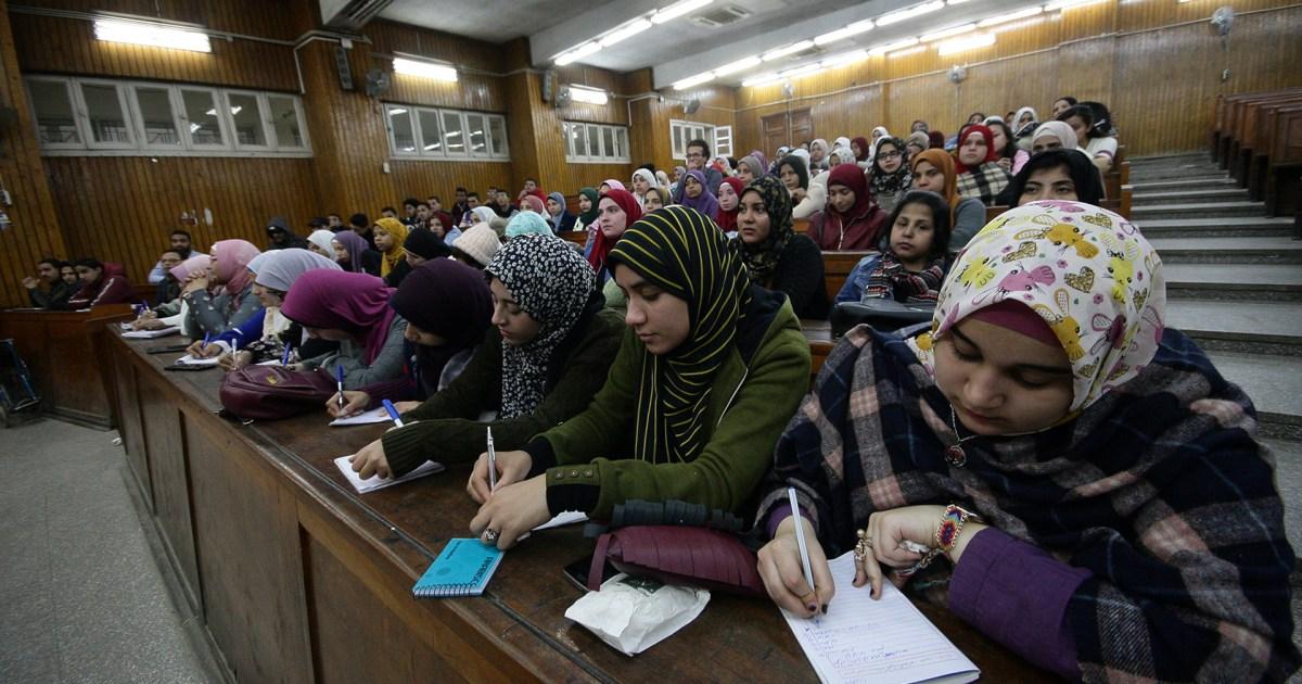 """بعد قرار إجراء الامتحانات حضوريا في ظل كورونا.. وسم """"إقالة وزير التعليم العالي"""" يتصدر الترند المصري"""