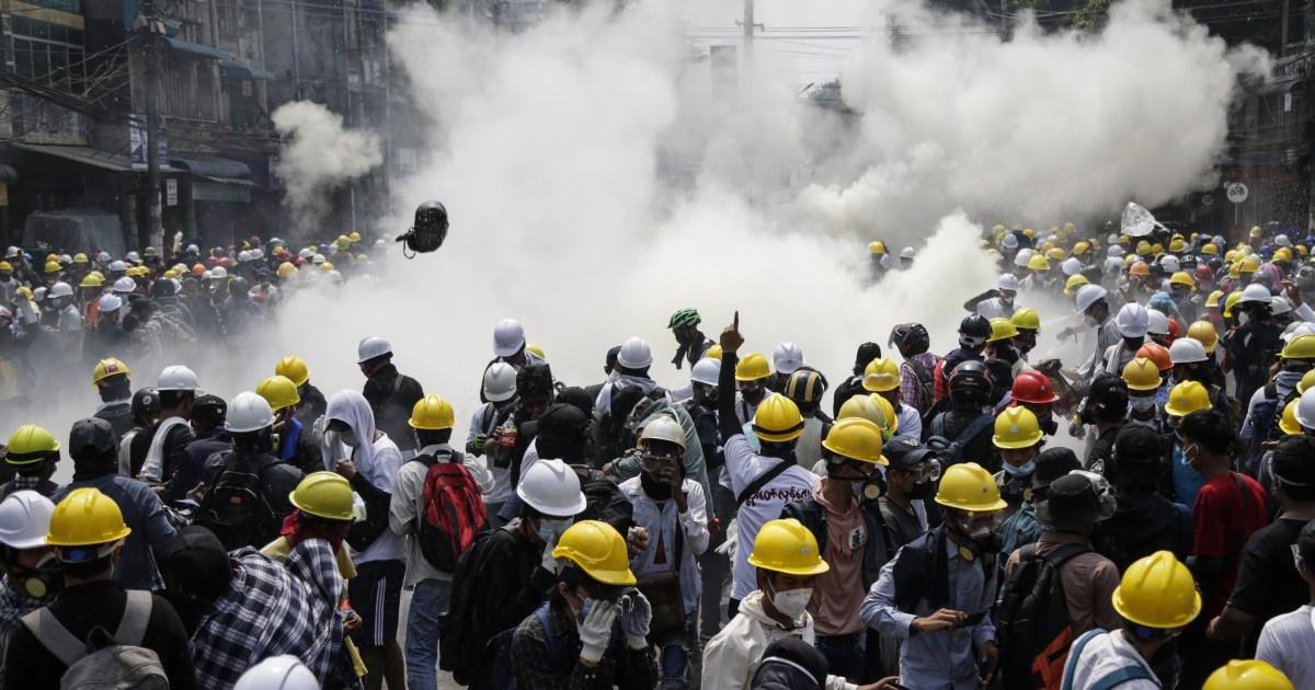 قوات الأمن في ميانمار تواجه المتظاهرين بالرصاص الحي ورابطة آسيان تريد حوارا لإنهاء الأزمة