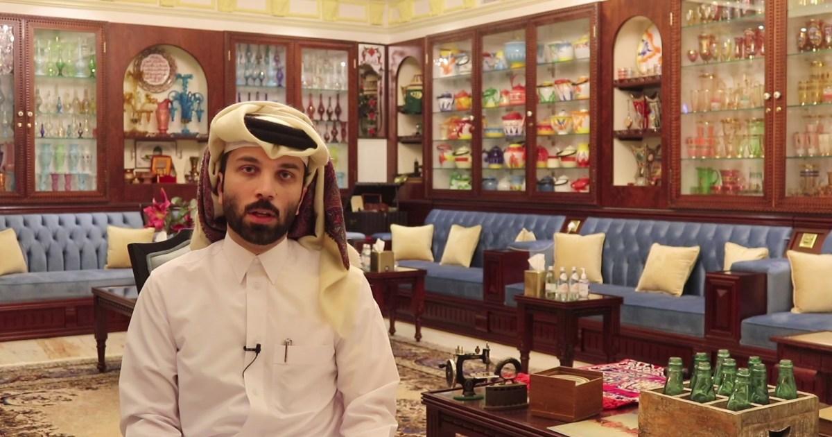 يستحضر حياة الأجداد والبيت الخليجي القديم.. شاب قطري يحول مجلسه إلى متحف للمقتنيات