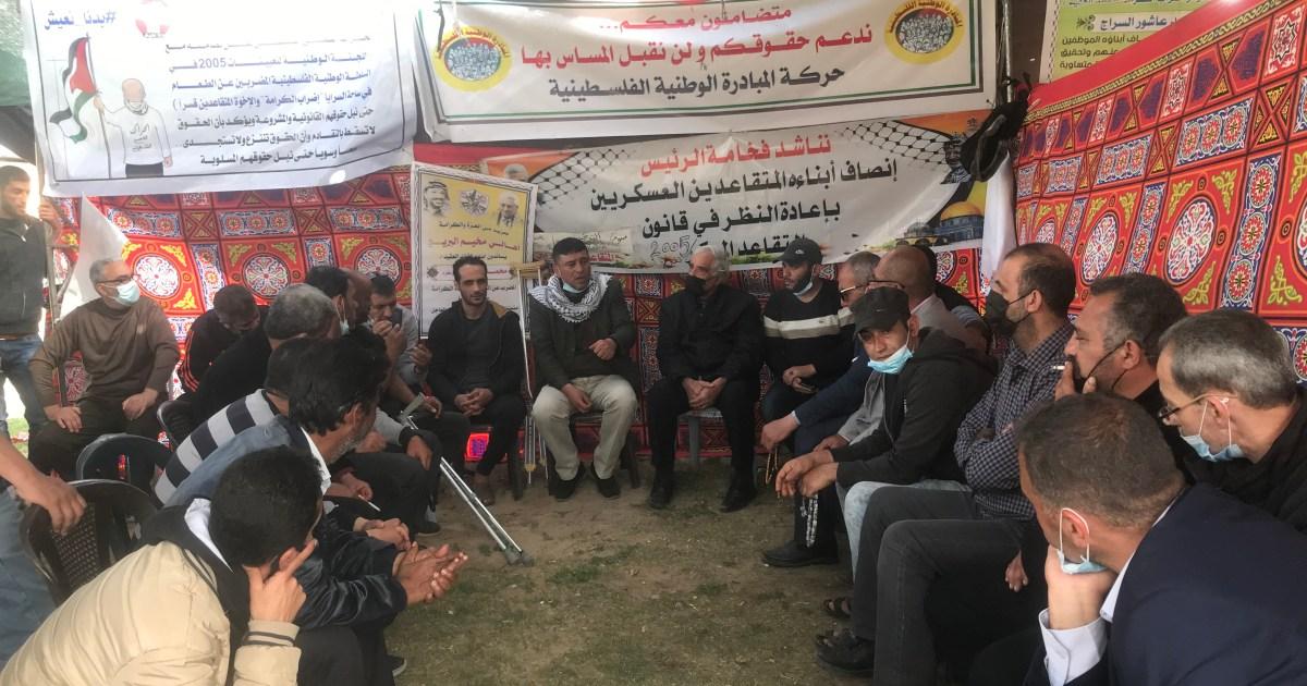 يطالبون بإلغاء قرار إحالتهم للتقاعد القسري.. فتحاويون يضربون عن الطعام في غزة ويهددون بمقاطعة الانتخابات