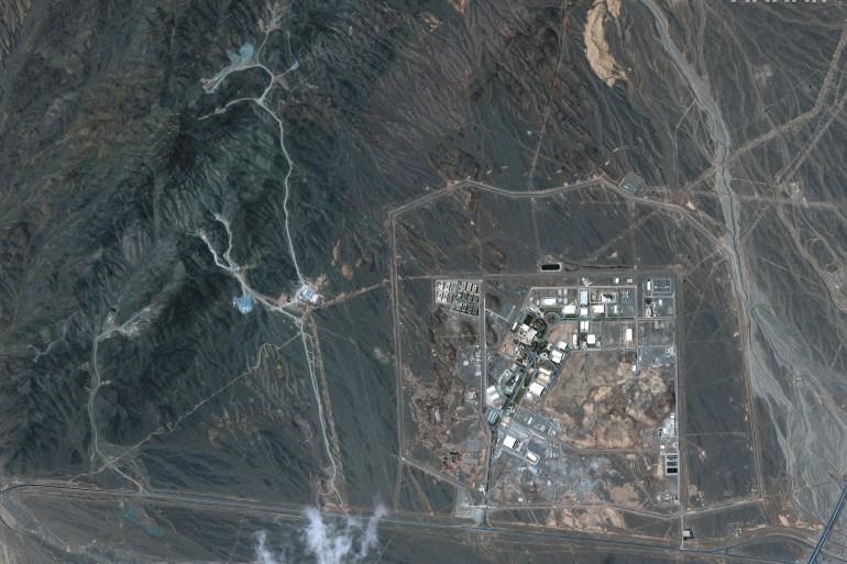 منشأة نطنز النووية الواقعة بمحافظة أصفهان وسط البلاد (رويترز)