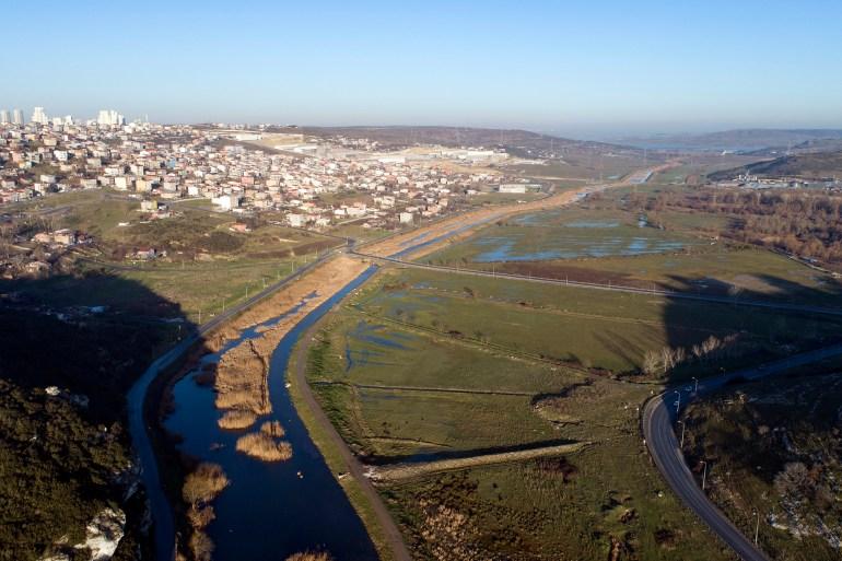 صورة تُظهر منظرا عاما لمسار مشروع قناة إسطنبول (الأوروبية)