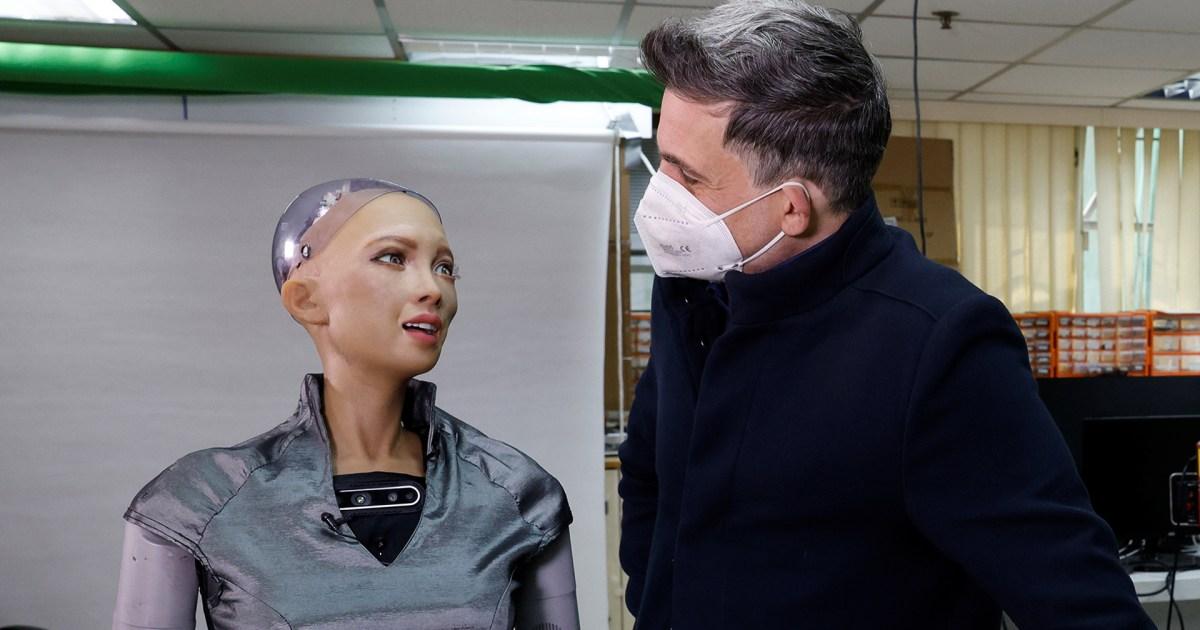 بيعت لوحتها بنحو 700 ألف دولار.. الروبوت صوفيا أول رسام آلي