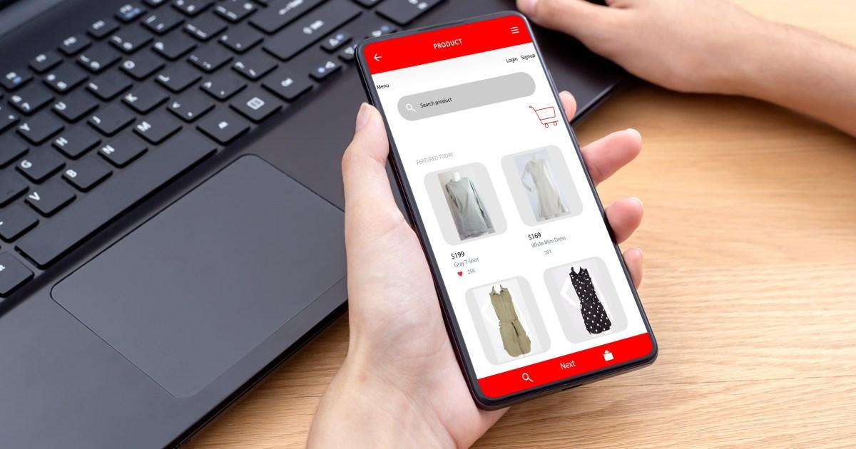 كيف تبدأ مشروعا مربحا لتجارة الملابس عبر الإنترنت؟