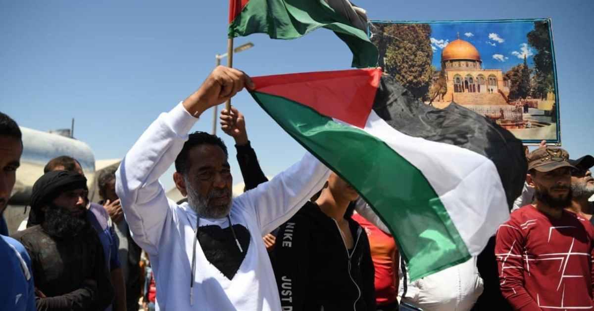 رغم مأساتهم.. نازحو سوريا يتضامنون مع فلسطين بمسيرات الدعم والتأييد