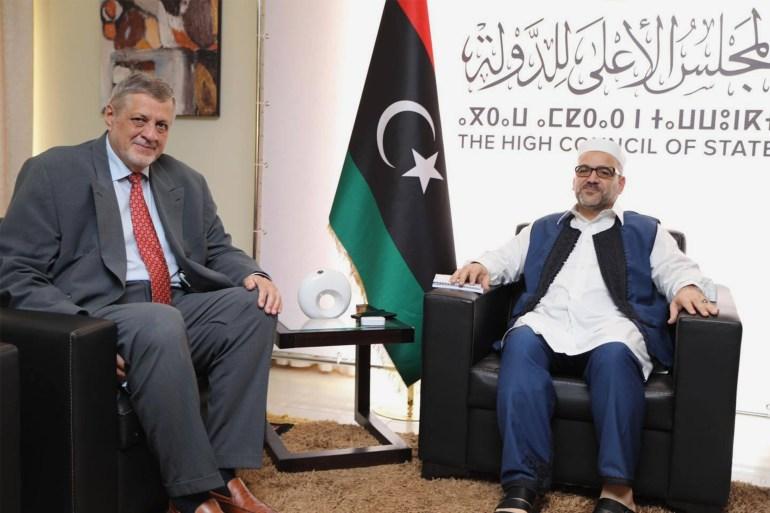 صورة نشرها المجلس الأعلى للدولة في حسابه على فيسبوك للقاء المشري مع كوبيش في طرابلس (مواقع التواصل الاجتماعي)