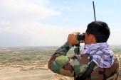 جندي أفغاني في حراسة قاعدة عسكرية بولاية غزني وسط البلاد (الأوروبية)