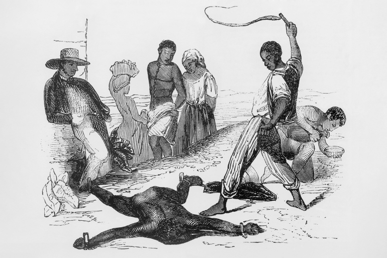 رسم يظهر عقاب الرقيق بجزر الهند الغربية الفرنسية في الحد الشرقي للبحر الكاريبي (شترستوك)