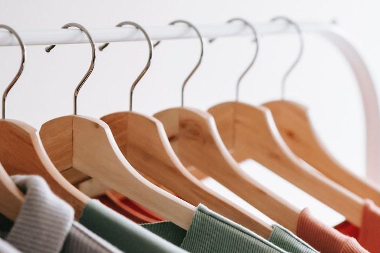 علاقات الملابس أشرطة الطريق العام درج الفرن ثقب المغسلة أشياء لا تعرف الغرض منها  حقائب الظهر