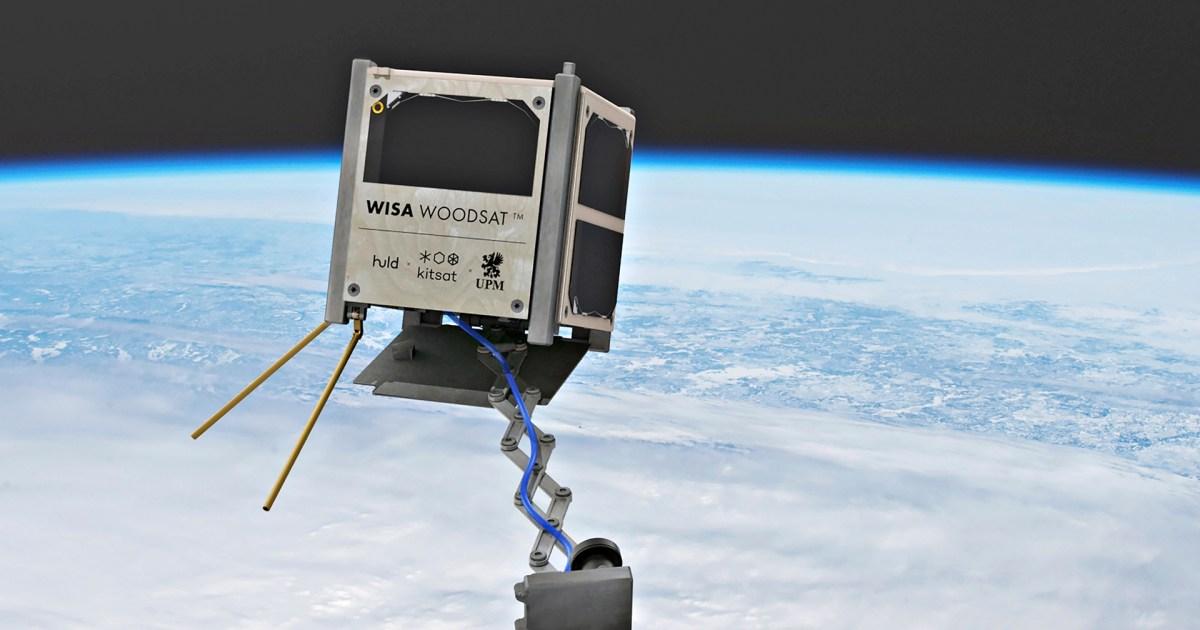 """أول قمر اصطناعي خشبي يرسل مستشعرات """"تجريبية"""" غريبة إلى الفضاء"""