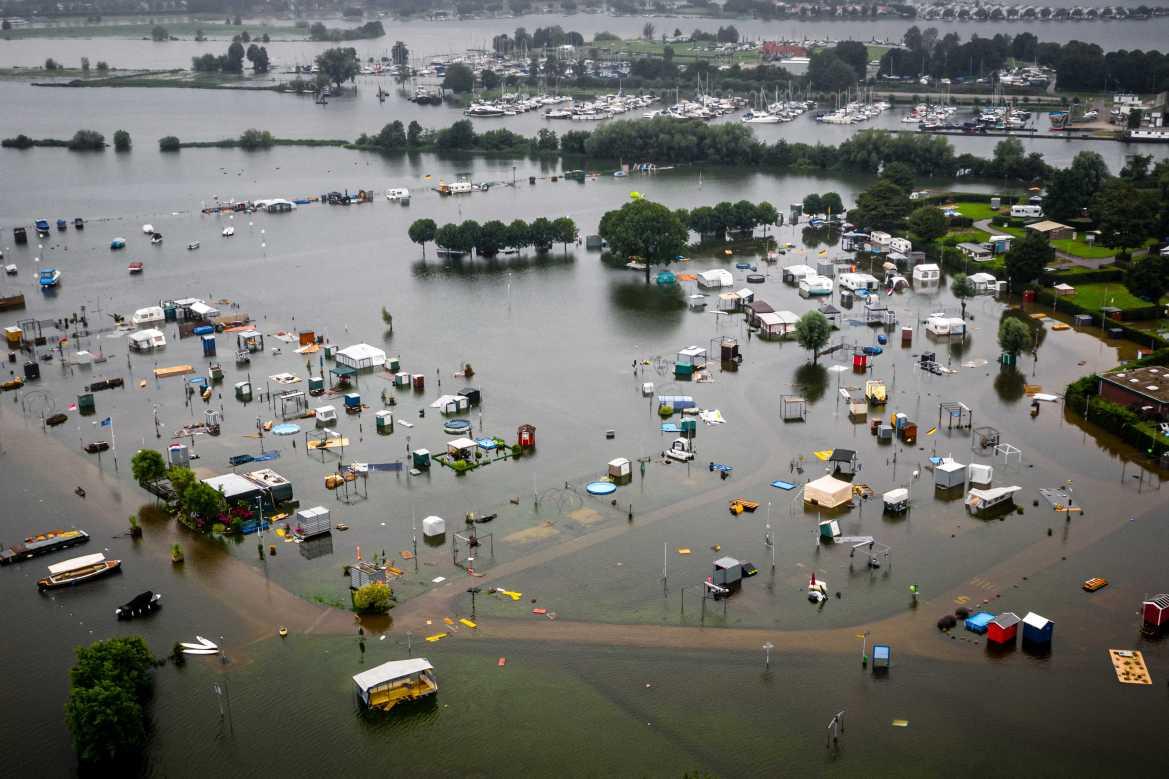 فيضانات أوروبا تخلف عشرات الضحايا   أوروبا   الجزيرة نت