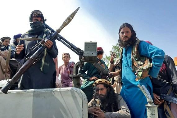 الرئيس الأفغاني: طالبان انتصرت ومغادرتي البلاد لتجنب إراقة الدماء  اعترف الرئيس الأفغاني أشرف غني، اليوم الأحد، بأن حركة طالب 000_9L67WR-1