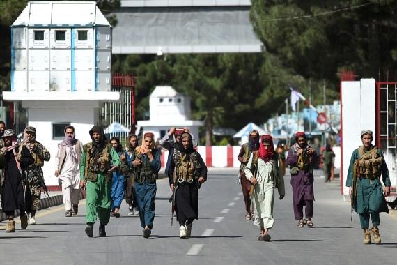 """أفغانستان.. موسكو: علينا إقامة علاقات مع الحكومة الجديدة وفرنسا وبريطانيا تقترحان إنشاء """"منطقة آمنة"""" في كابل أفغانستان.. موسك Image-520"""