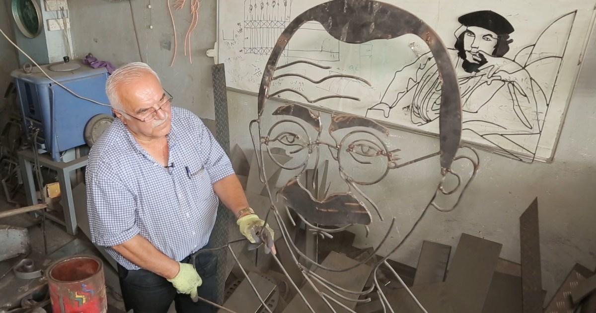 تشارلي تشابلن وغاندي.. شاهد- عراقي يحوّل الحديد إلى لوحات فنية