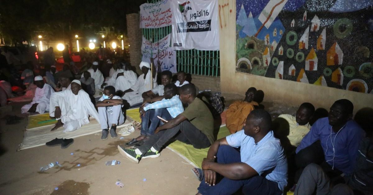 """السودان.. انسحاب وانضمام لاعتصام القصر الجمهوري وسجال حاد بين فريقي """"الحرية والتغيير"""" حول أولويات المرحلة"""