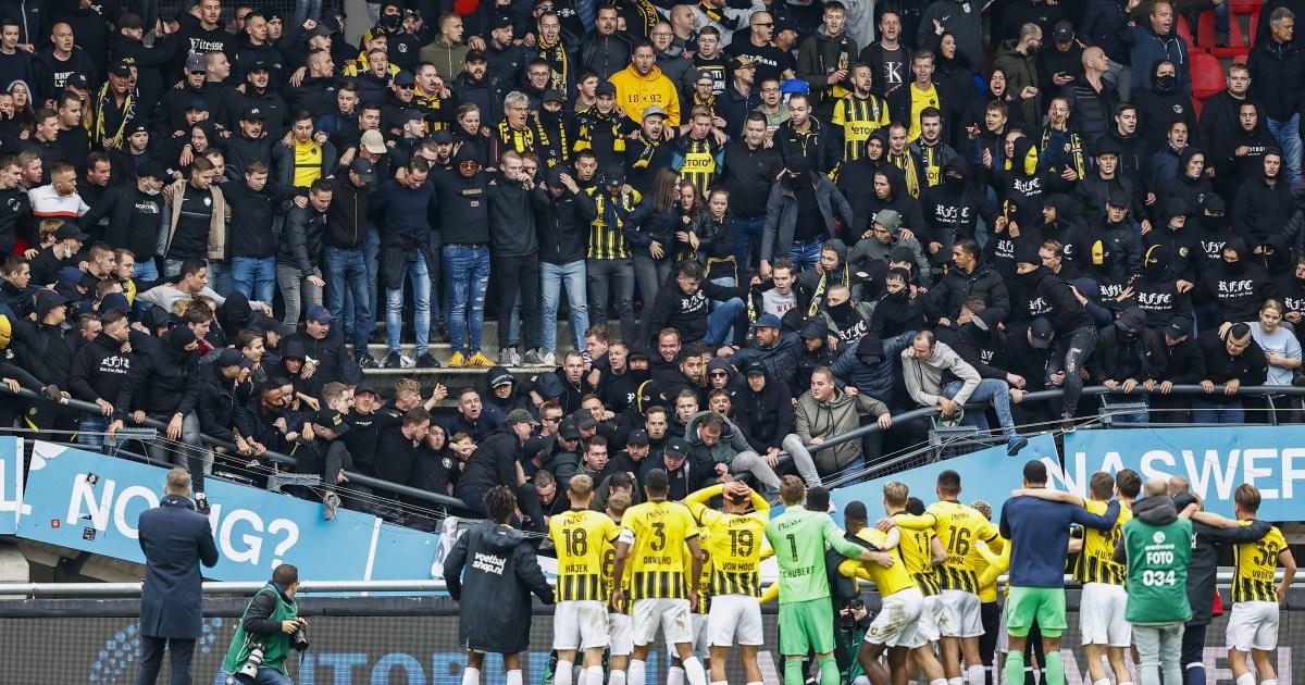 فيديو مرعب لسقوط جزء من مدرج أحد ملاعب الدوري الهولندي.. مجزرة كانت قاب قوسين